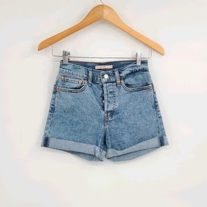 Levi's Light Acid Wash Wedgie Shorts